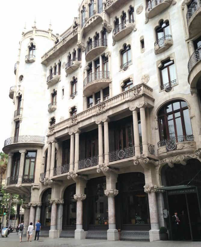 Where to stay in Barcelona on a romantic break www.extraordinarychaos.com