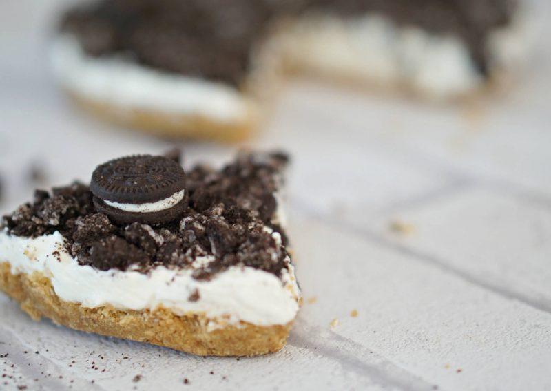No Bake, Oreo Topped Vanilla Cheesecake