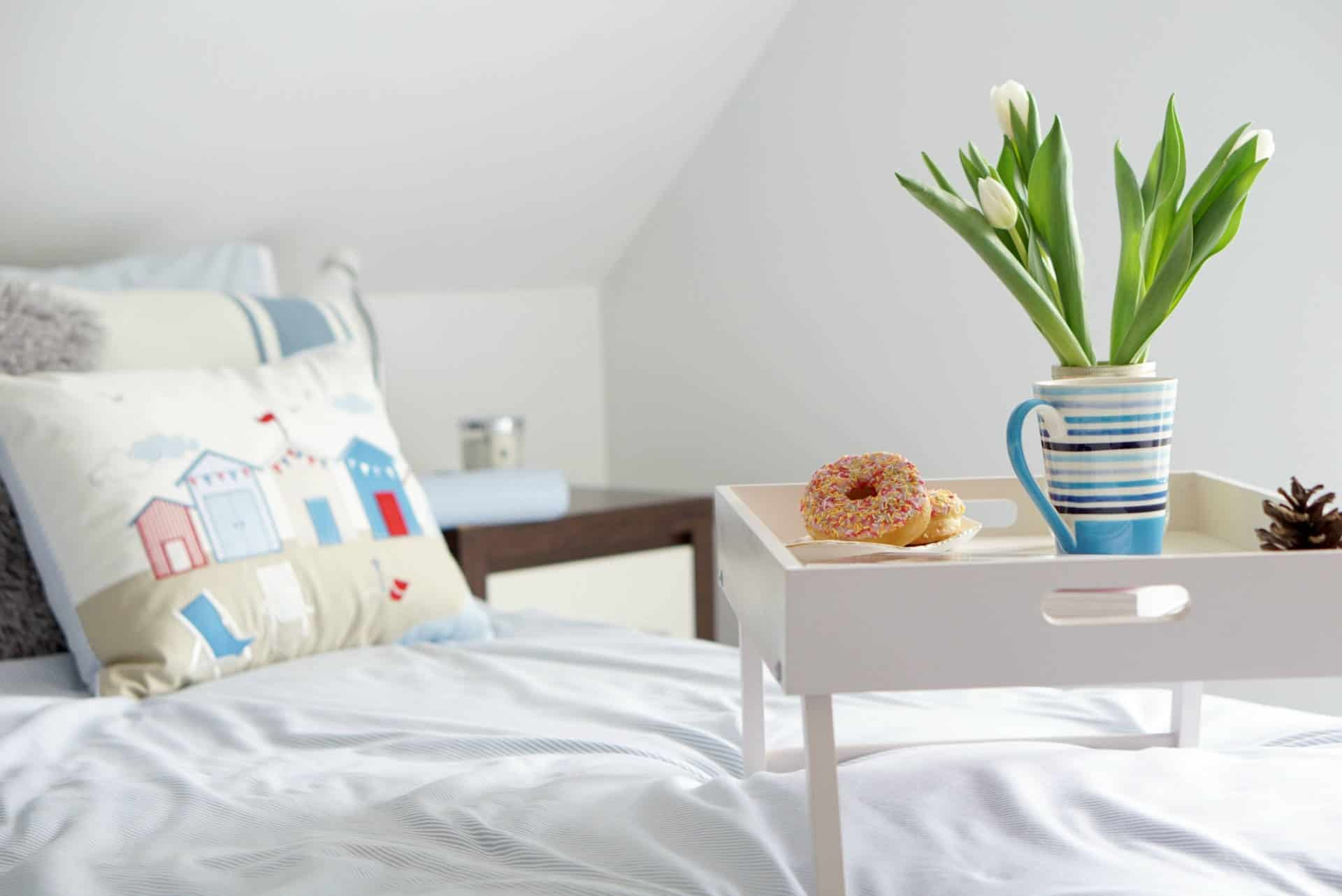 Creating A Chilled Out Bedroom L