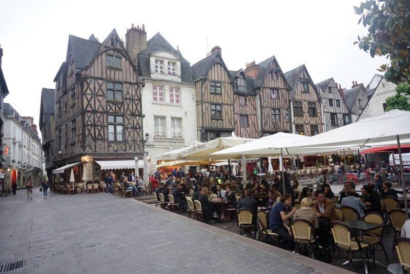 Place Plumereau in Tours, Loire Valley 11