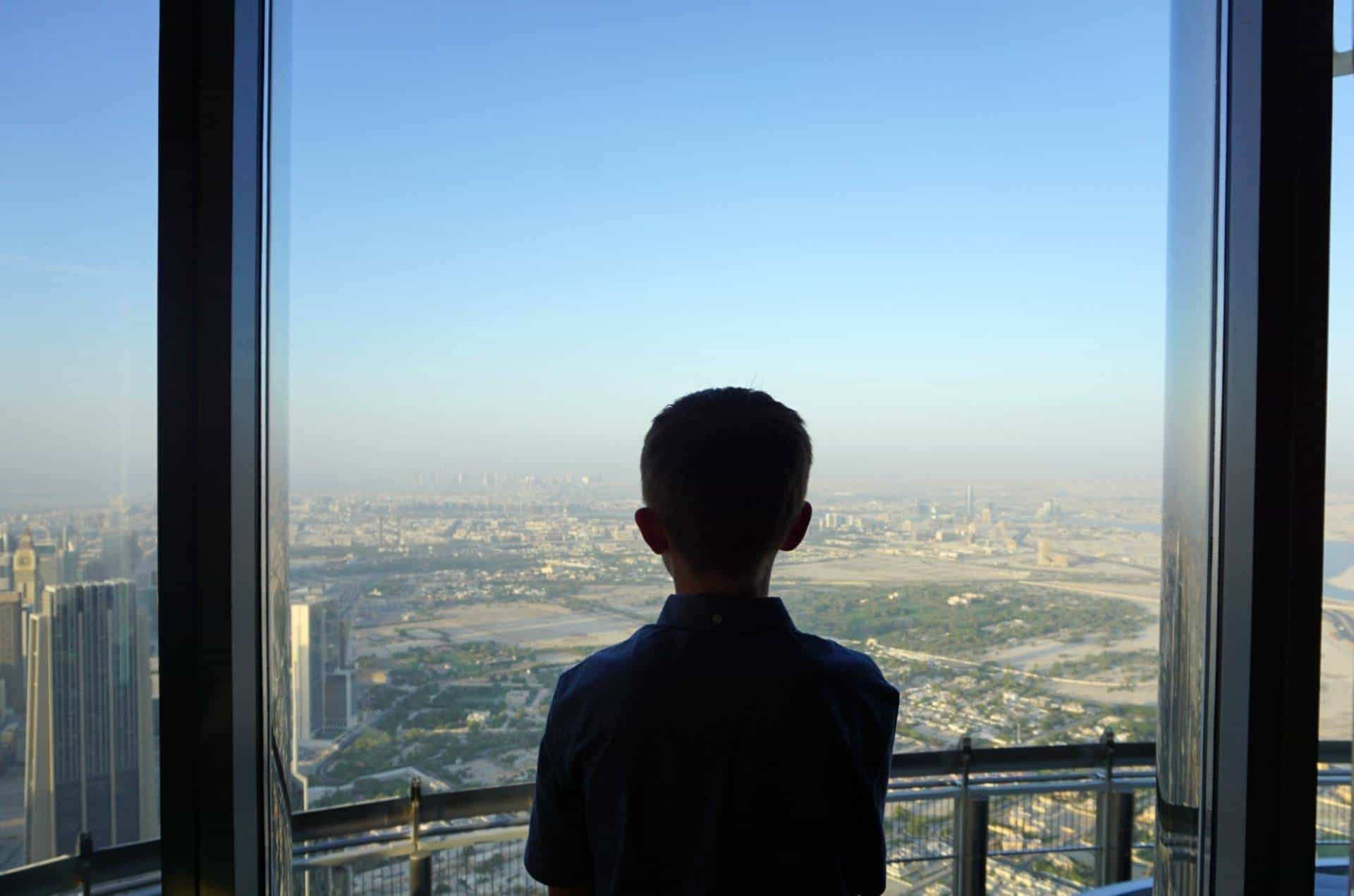 Visiting the Burj Khalifa with teens in Dubai www.extraordinarychaos.com