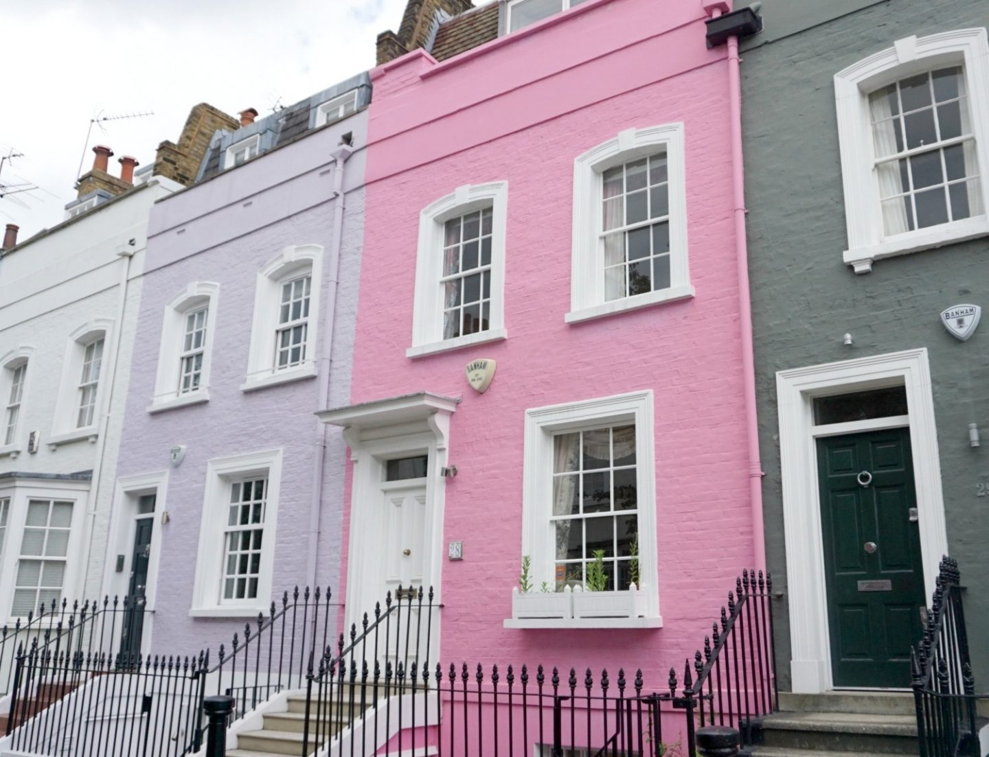 A London Photo Walk And Visions In Pink at Peggy Porschens In Belgravia And Notting Hill www.extraordinarychaos.com