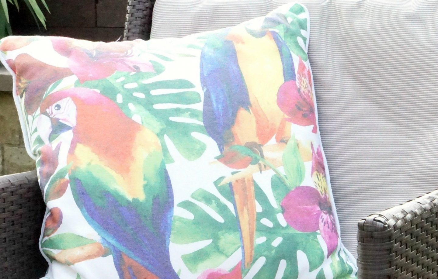A Parrot Cushion And Summer Dining With TKMaxx www.extraordinarychaos.com