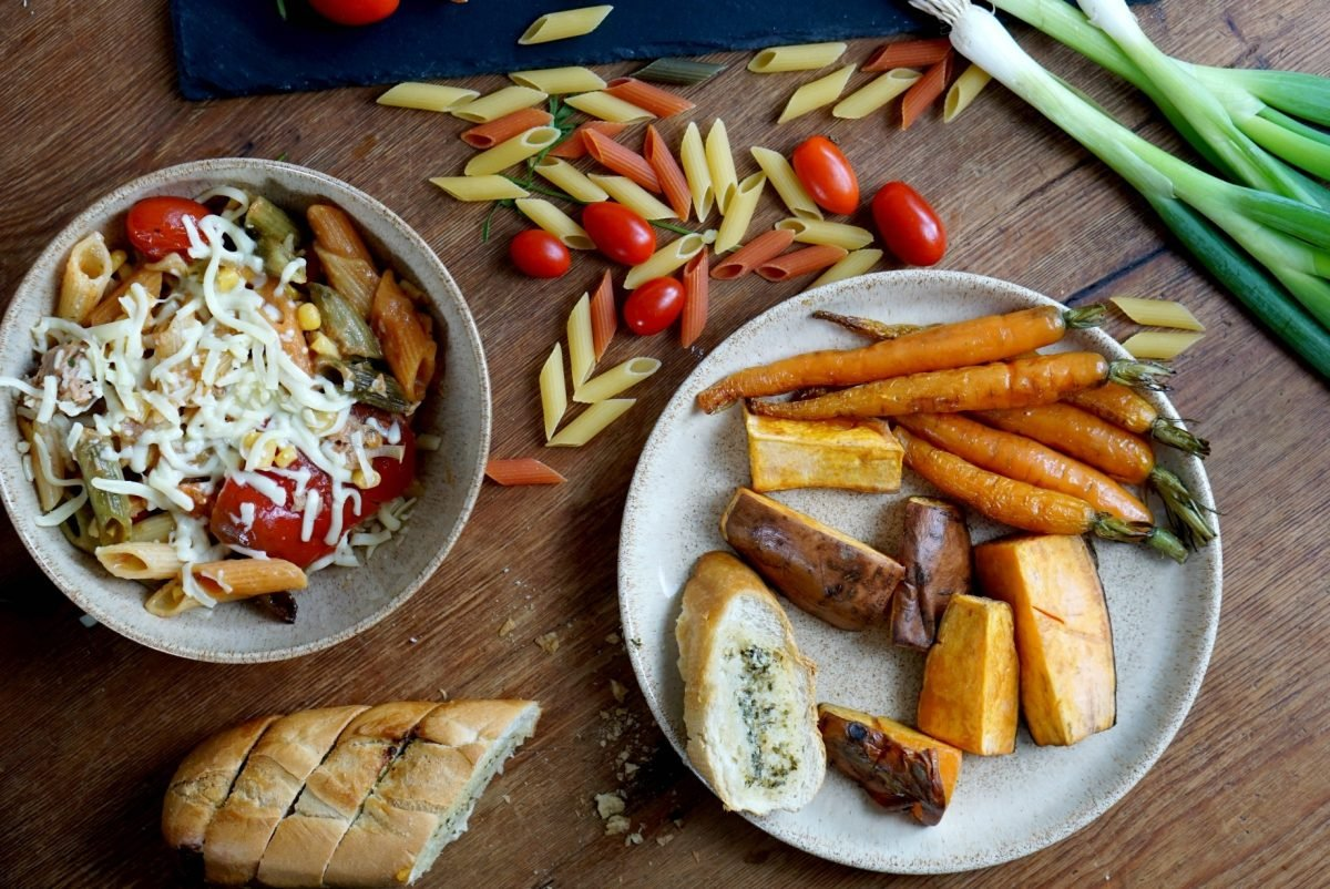 Easy Family midweek meals www.extraordinarychaos.com