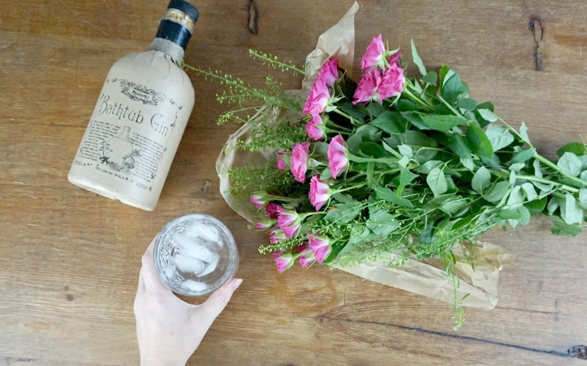 a review of the flavours of Bathtub Gin www.extraordinarychaos.com