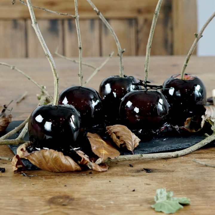 black poison toffee apples www.extraordinarychaos.com