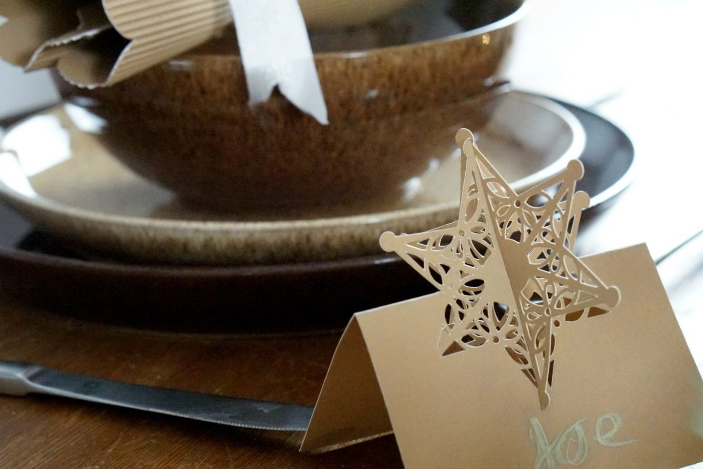 Christmas Table Setting www.extraordinarychaos.com