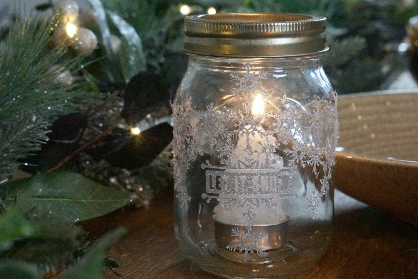 Festive Decorated Mason Jar, with Cricut www.extraordinarychaos.com