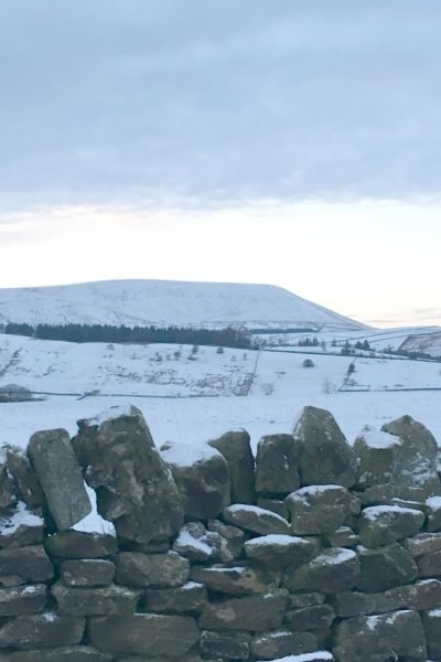 Pendle Hill in the Snow, www.extraordinarychaos.com