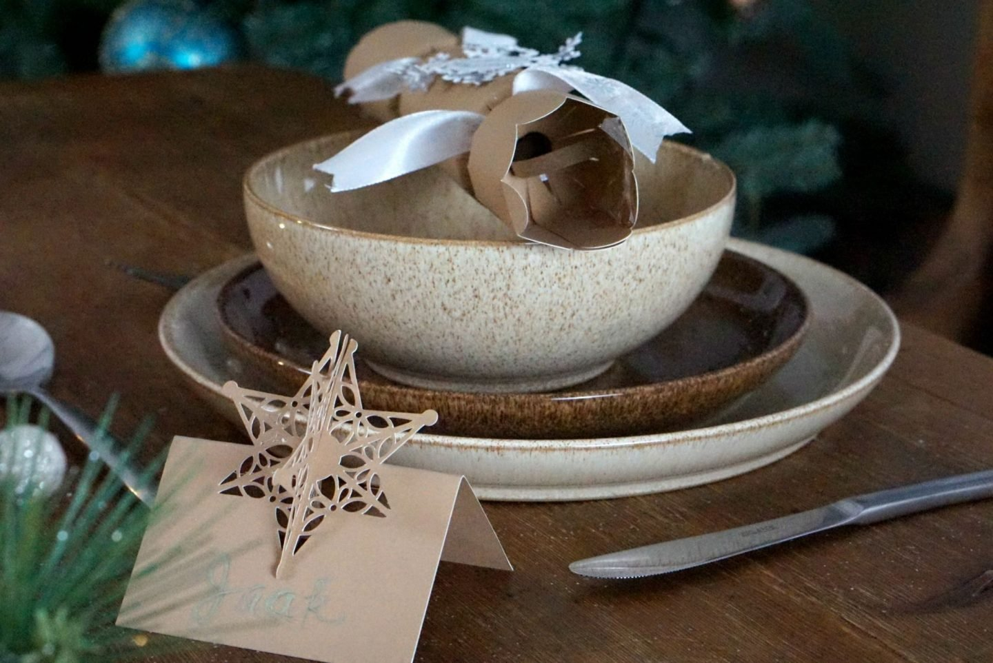 Rustic Christmas Table www.extraordinarychaos.com