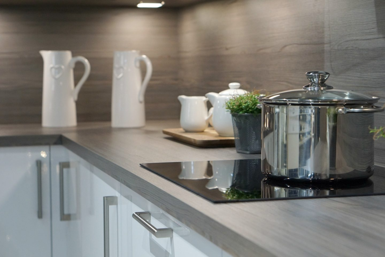 Contemporary Gloss Kitchen www.extraordinarychaos.com
