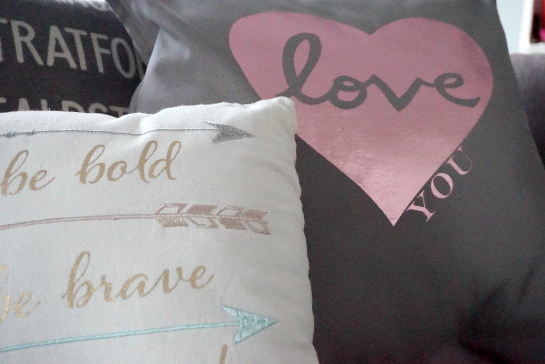 Love you cushion www.extraordianrychoas.com