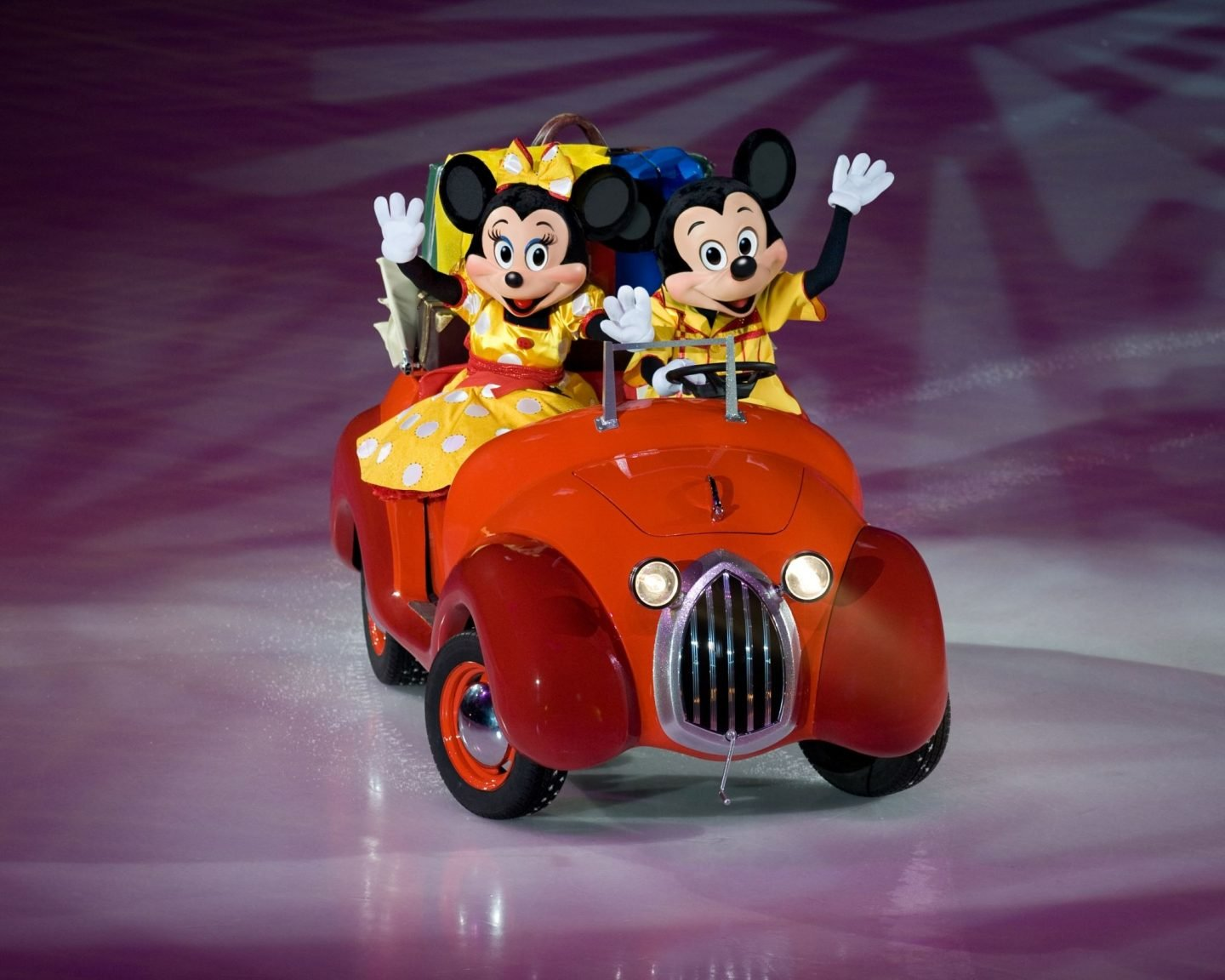 Mickey and Minnie, World of Enchantment, Disney On ICE