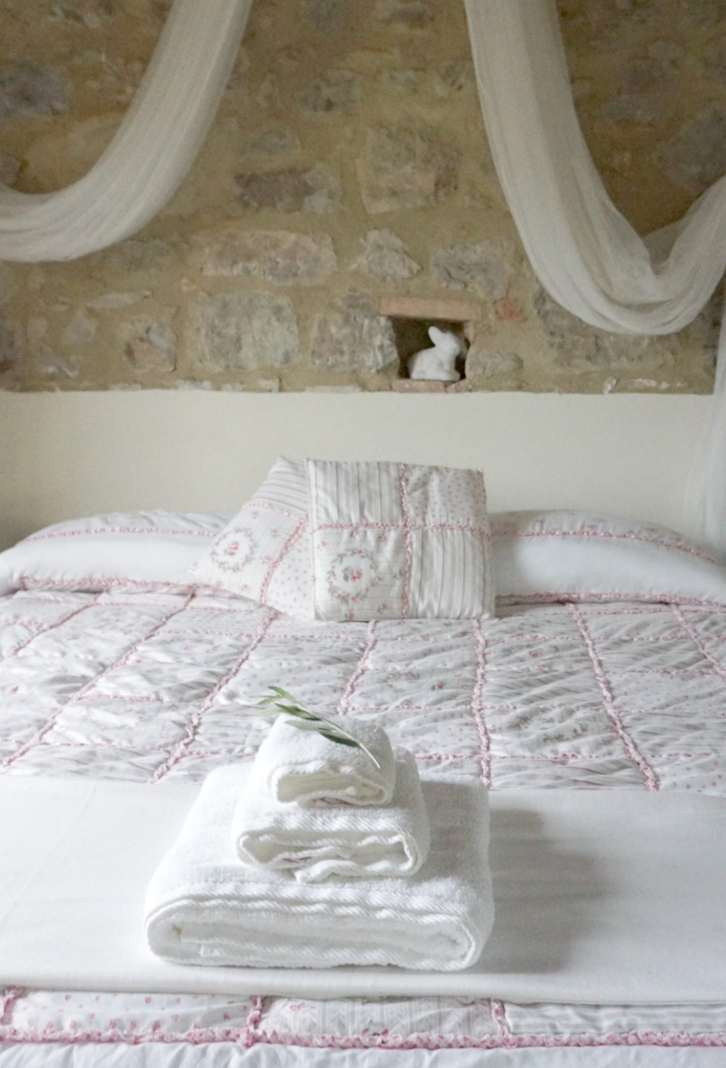 Bedrooms at Country Relais & Spa Le Capanne is a 100+ year old farmhouse www.extraordinarychaos.com