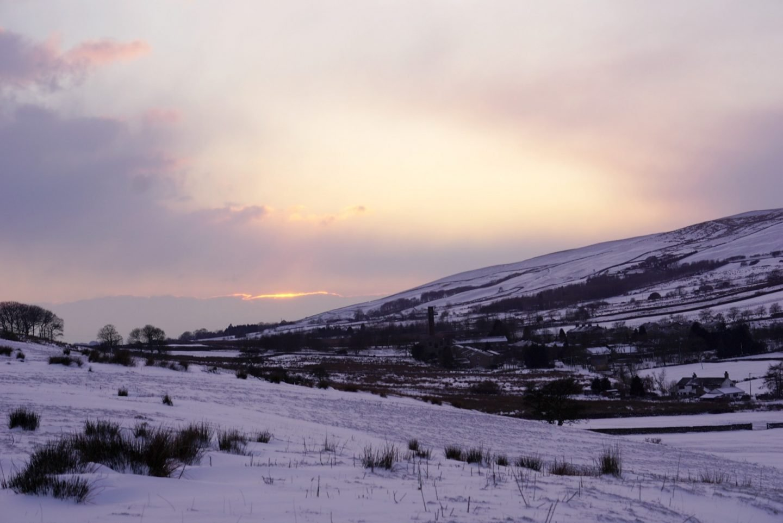 Sun going down behind the Lancashire Hill www.extraordinarychoas.com