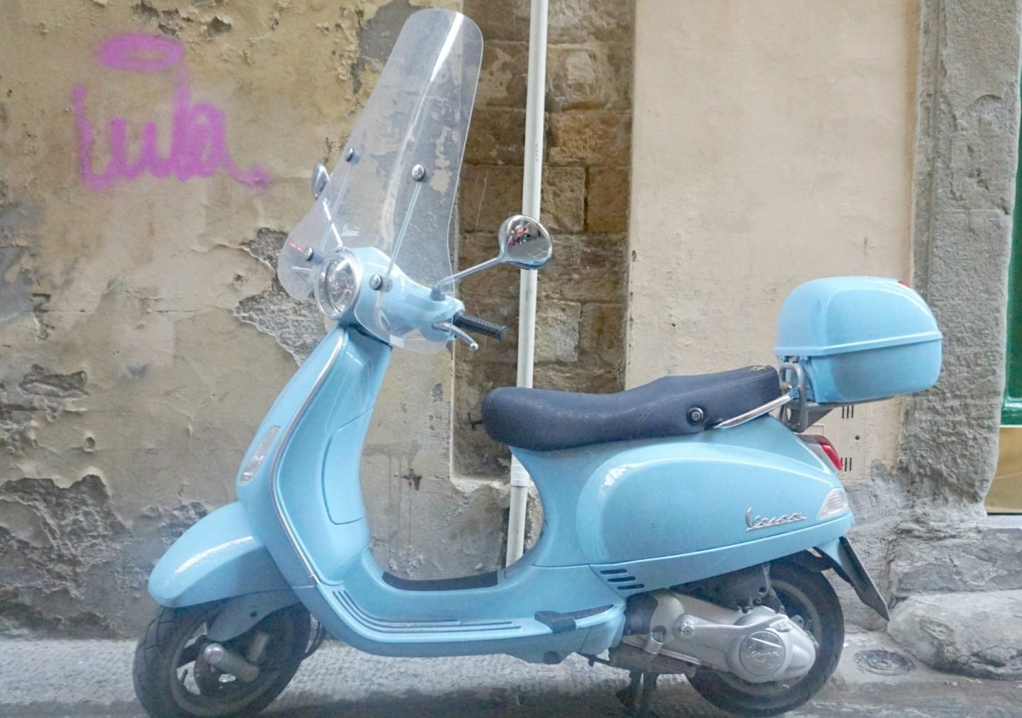 A vespa and street art in Tuscany www.extraordinarychaos.com