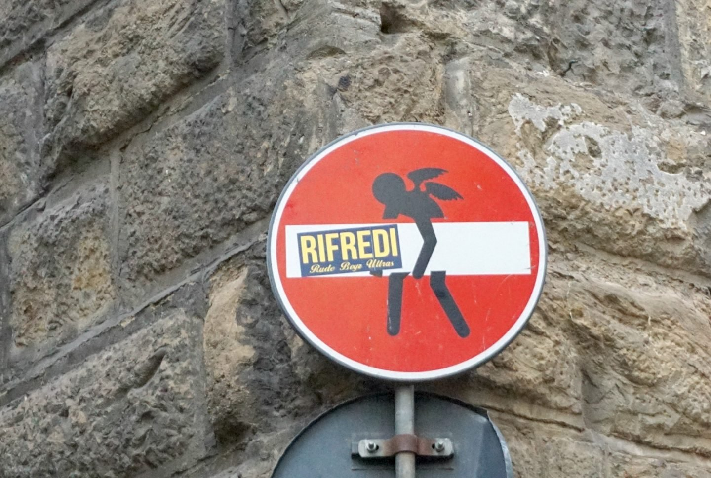 No Entry Sign street art in Florence www.extraordianrychaos.com