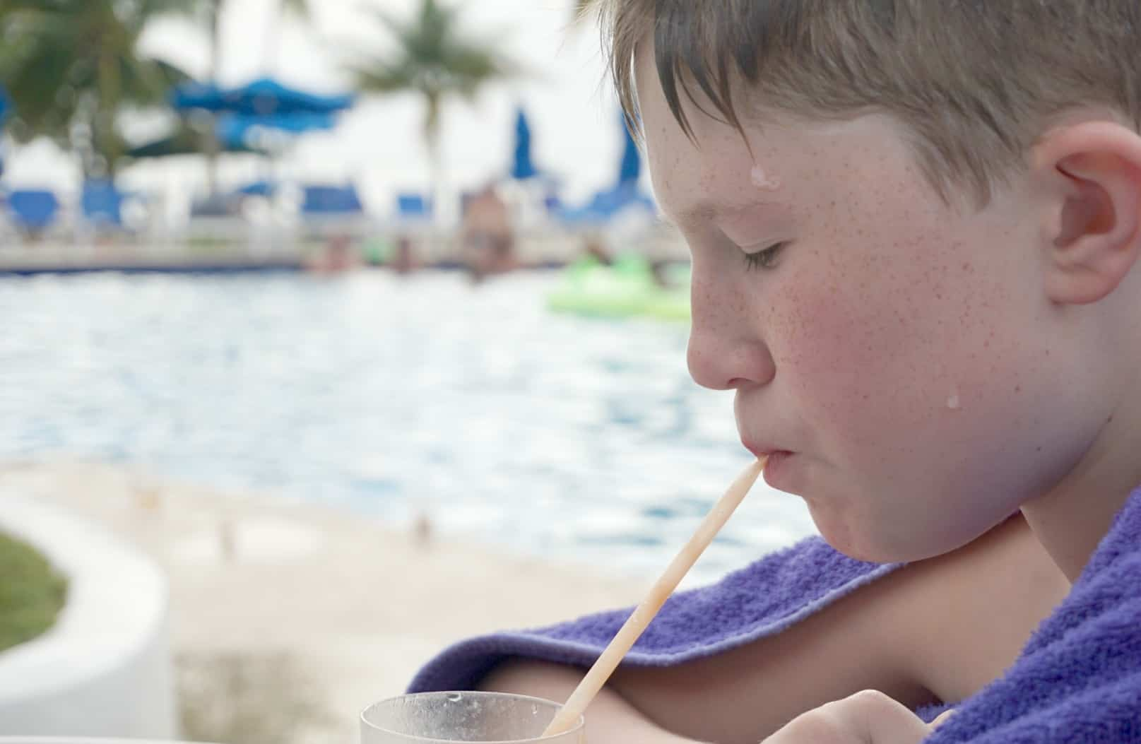 Drinking smoothies around the pool at Elite Island Resorts