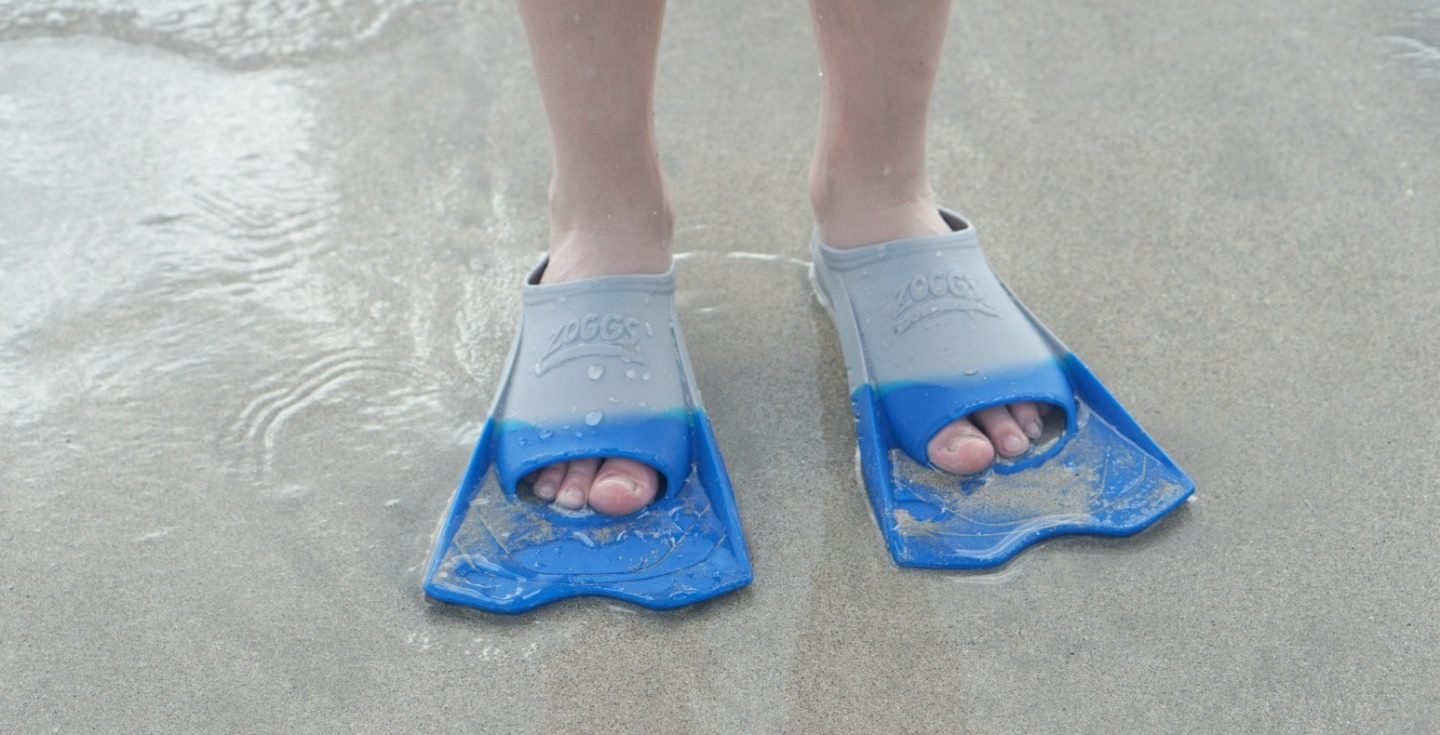 Zoggs Flippers perfect for beach holidays www.extraordinarychaos.com