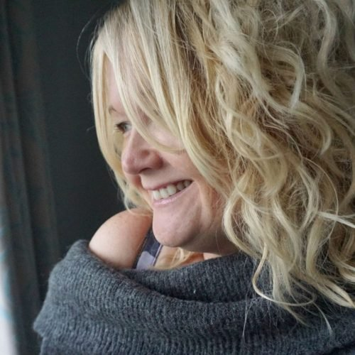 Winter Slouchy Sweater from H&M and how to style curly hair