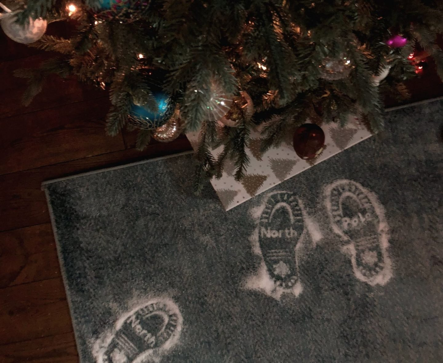 How To Make Santa Footprints a free template