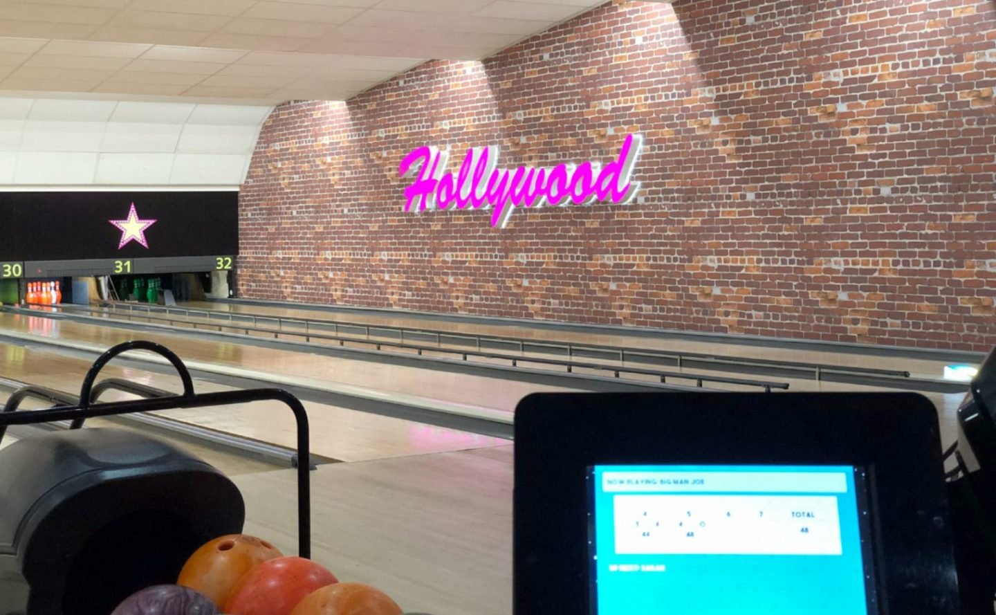 Bowling At Hollywood Bowl Leeds