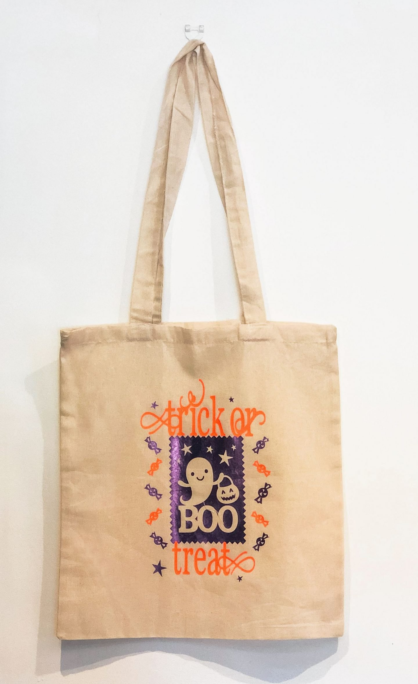 Halloween Craft Activities, Making trick or treat bags with iron on vinyl
