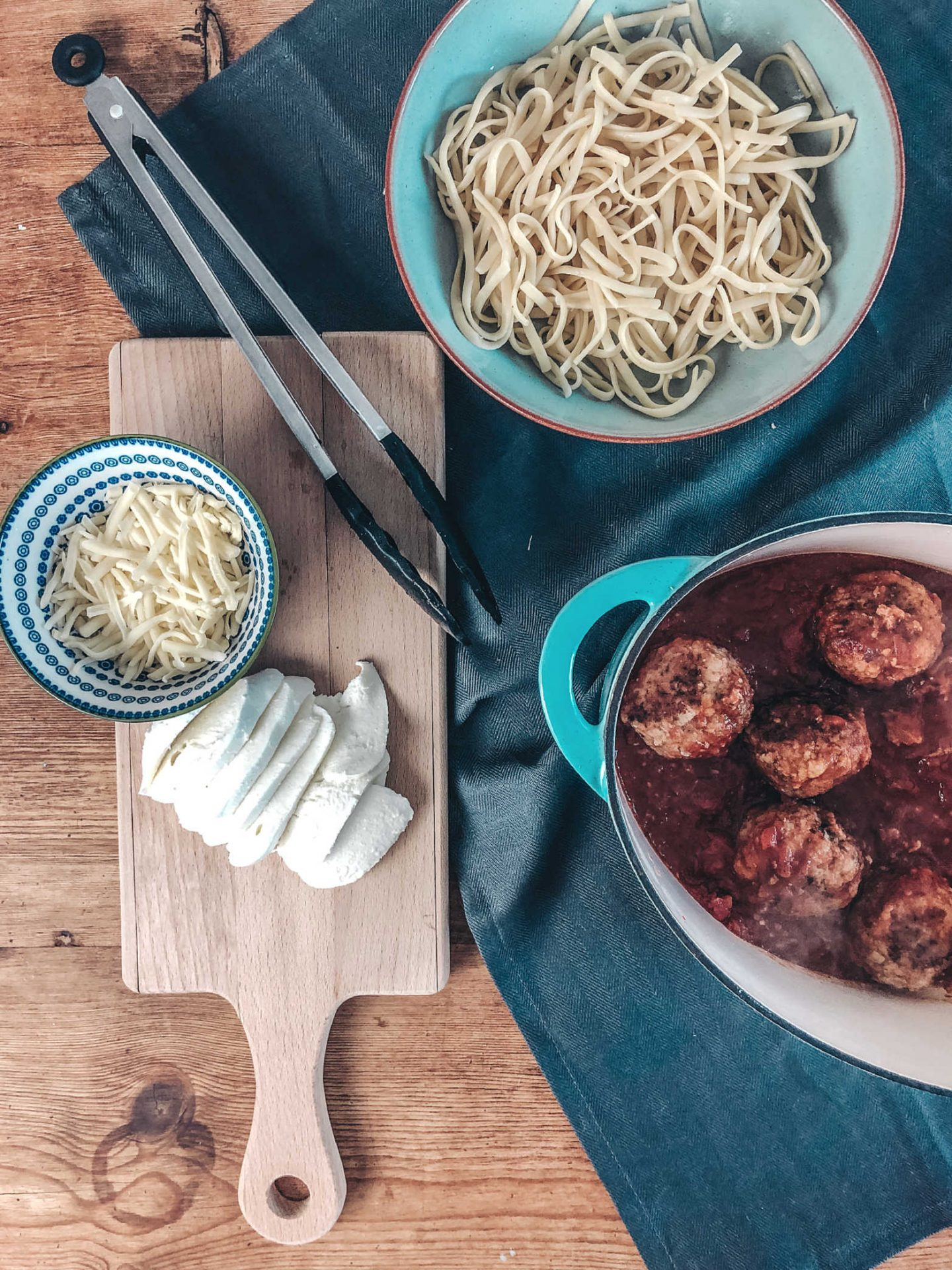 Easy recipe for pork meatballs with Italian tomato and basil sauce
