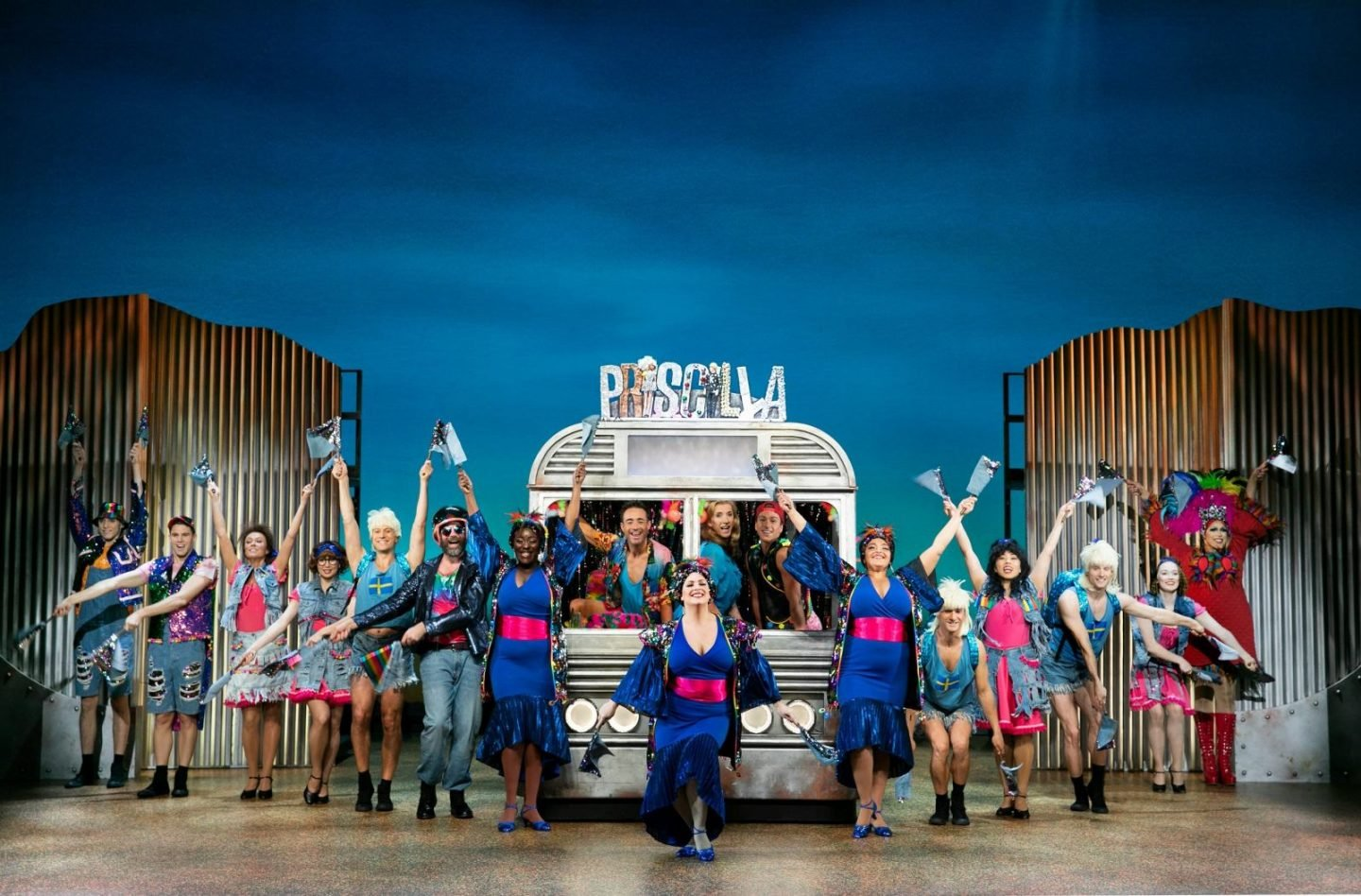 Priscilla-Queen-of-the-Desert-UK-Tour.-review