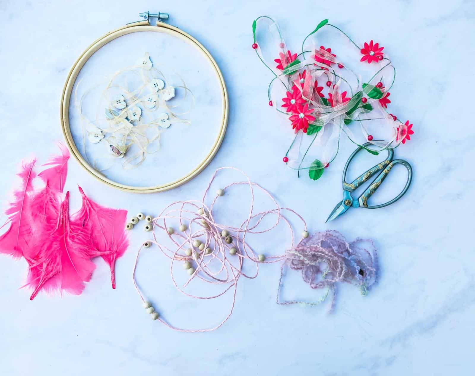 What you need to make a dreamcatcher