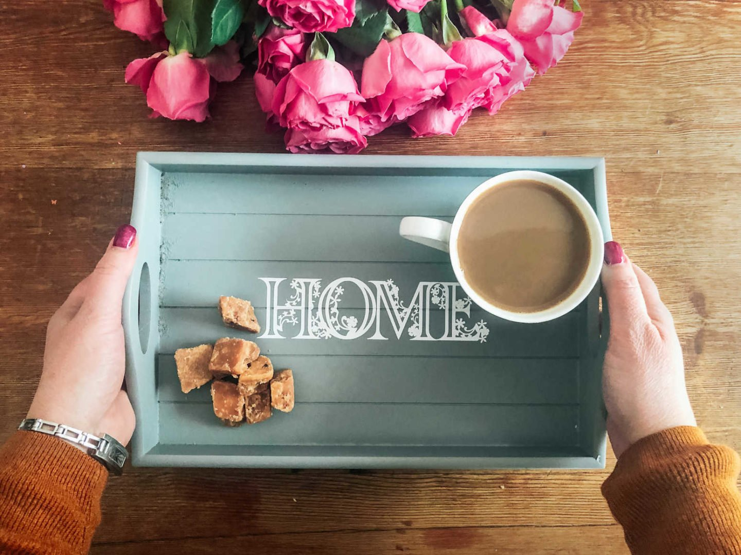 Making a tray with permanent vinyl cricut floral alphabet template decals
