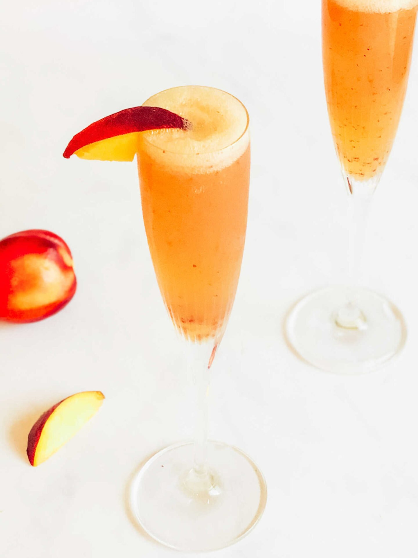 Easy peach cocktail to make at home