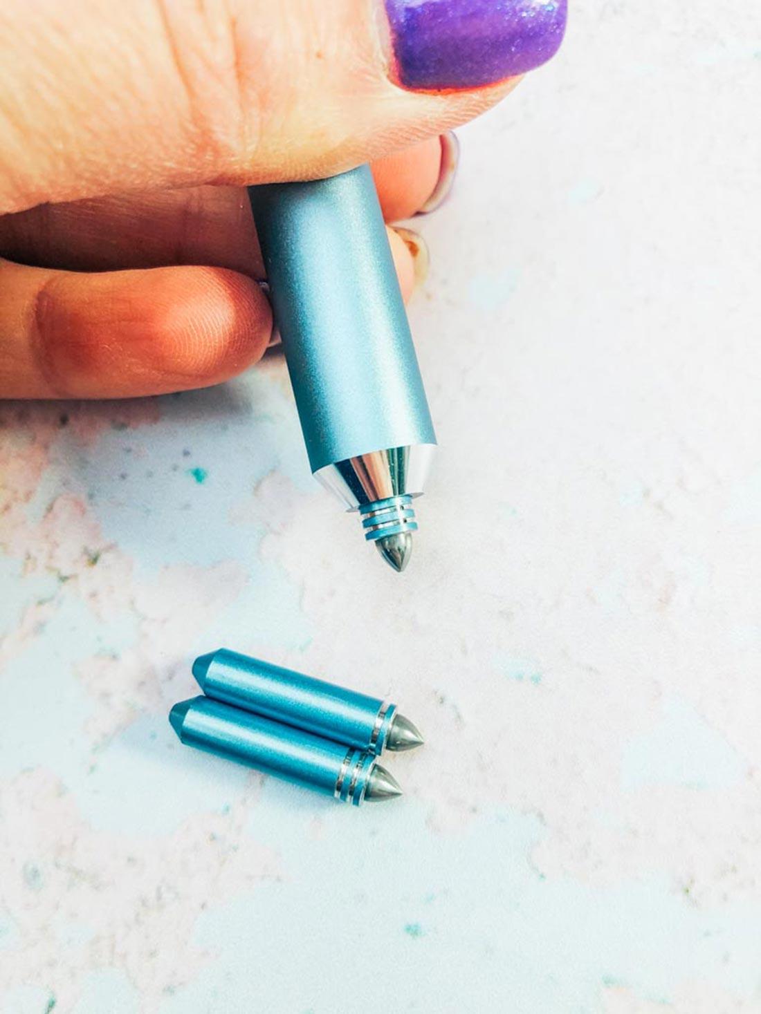 The Cricut foiling tool
