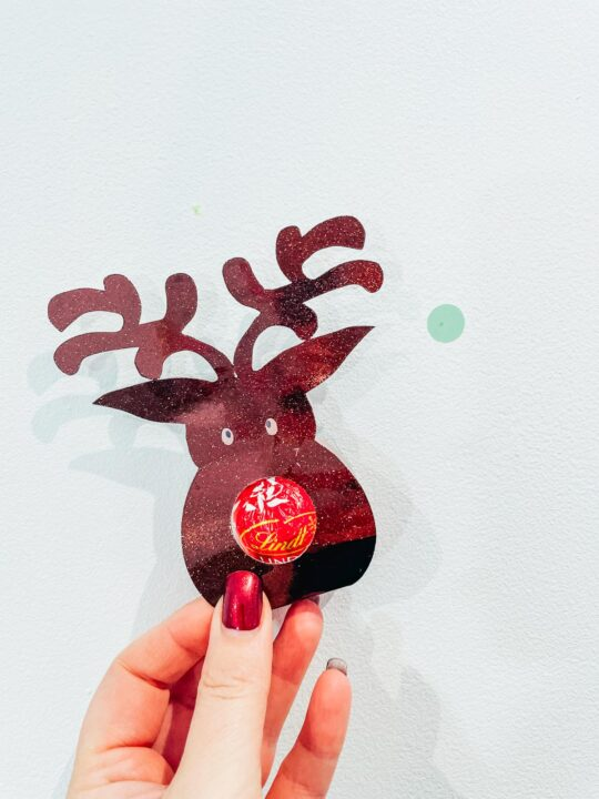 Free Reindeer chocolate holder PNG SVG for Christmas treats and party favours